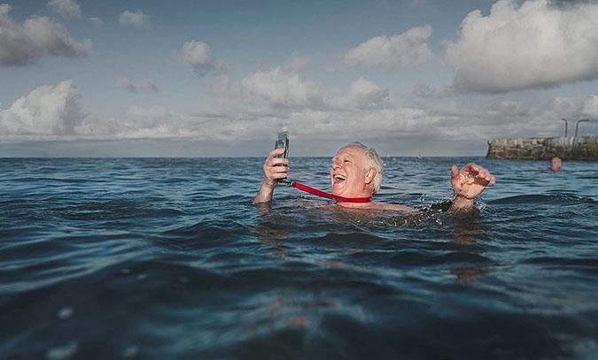 爱尔兰沃达丰2019圣诞节广告-冬泳传统