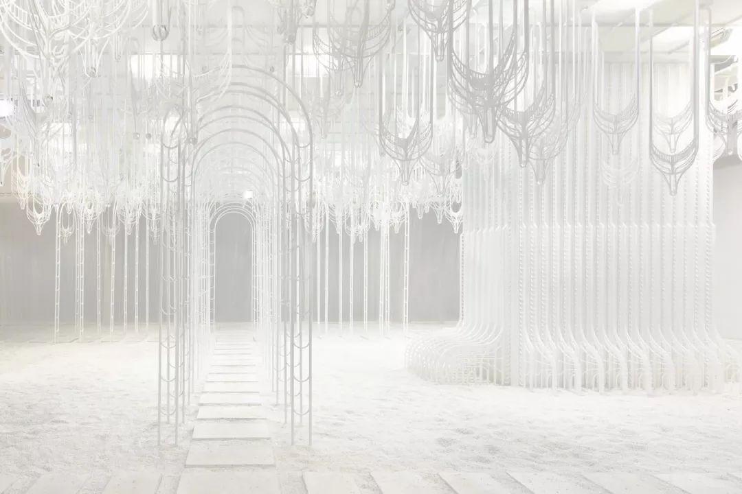 建筑师的艺术装置让人想寻求揭示未知的喜悦
