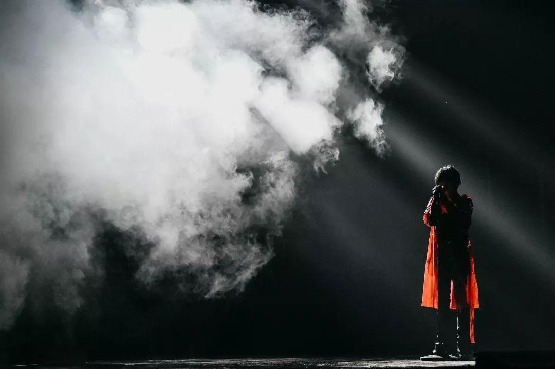舞美设计得好给整场表演带来了无限魅力,360度无死角啊