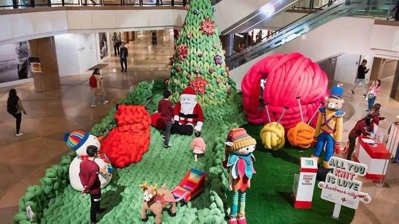 织爱送暖的圣诞美陈快闪店,巴西艺术家送上暖暖的手作艺术装置