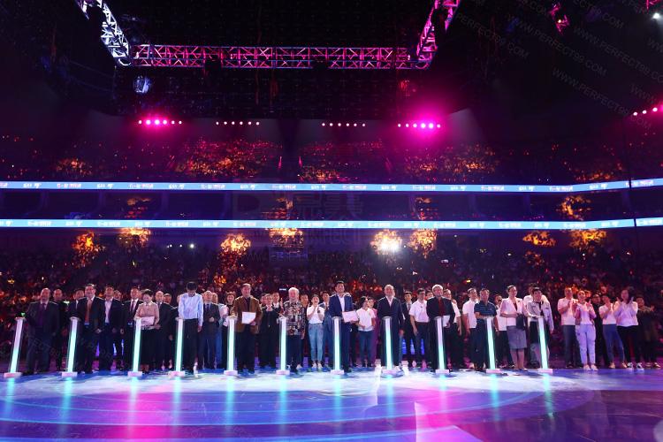 年会庆典活动群英荟萃,舞美设计如同明星演唱会般震撼