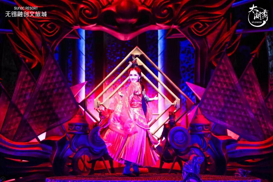 太湖秀的这场音乐秀活动策划是世界级的,舞美视觉效果美得无法言语