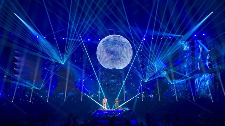 15米高的LED雕塑出现在演唱会活动现场,视觉效果杠杠的