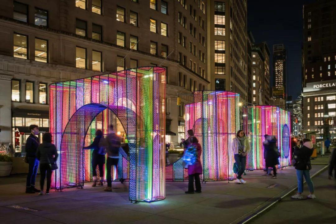 弯曲彩虹灯光艺术展会活动装置,鲜艳而俏皮的打卡新领域