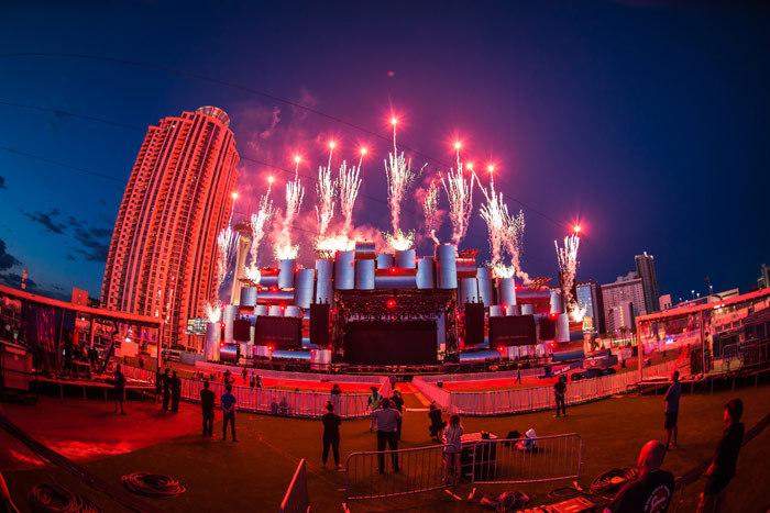 巴西里约热内卢摇滚音乐节又一次让人震惊了
