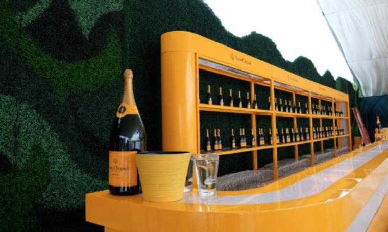 凯歌香槟经典马球赛那一抹明黄色的理想灵动而闪耀