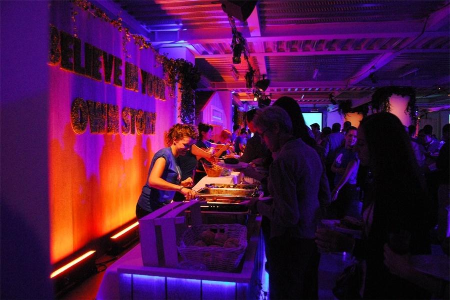 """钢筋混凝土的""""城市花园""""派对:绝对伏特加想法很大胆"""