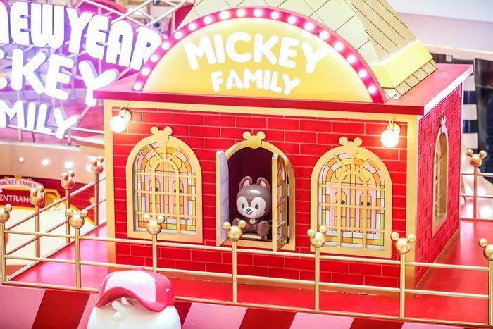 米奇坐坐策划了3M巨型童话城堡快闪店活动,和家族全明星亮相