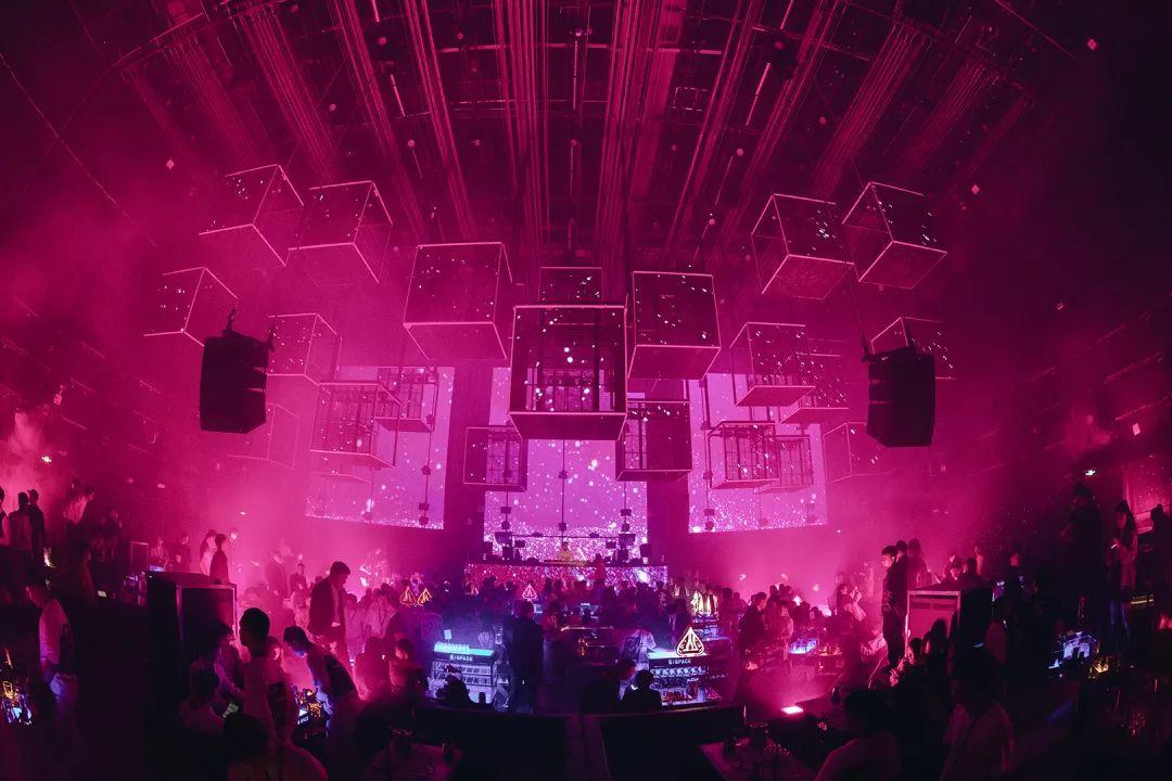 打造非凡的快闪店派对活动,  夜场与代驾场景相结合的独特体验
