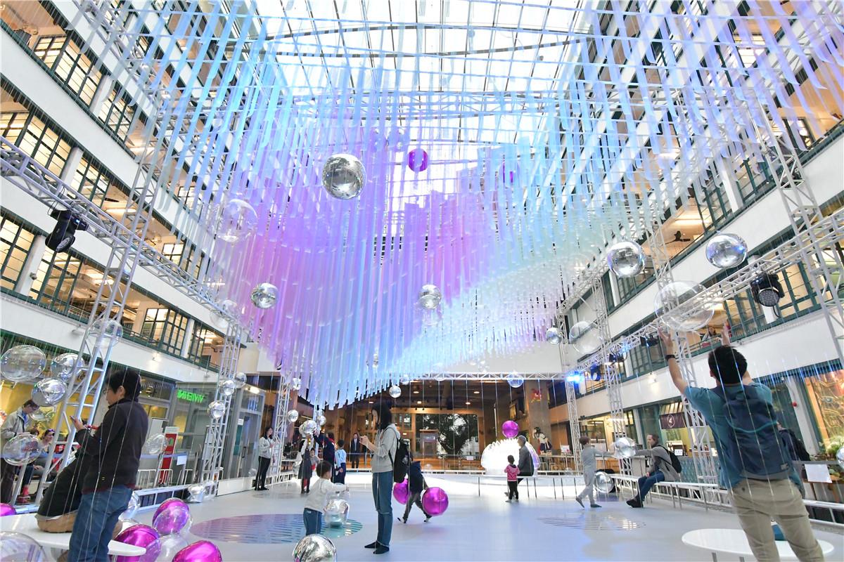 圣诞商场美陈做成这样更像是一个艺术品