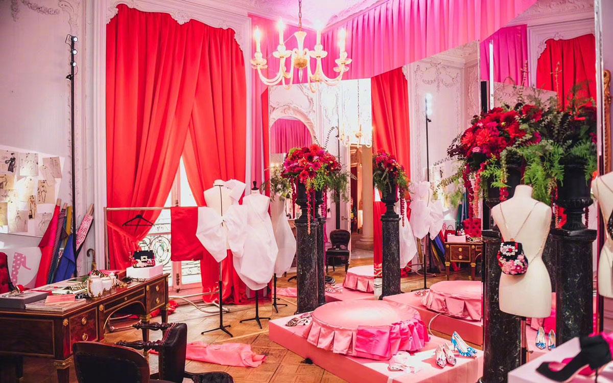 穿梭在梦境与现实的时装发布展览活动营造的绮丽世界美女好多啊