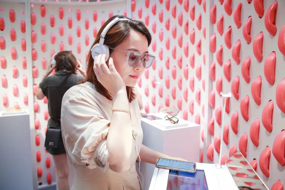 多元趣味互动快闪店展览活动的沉浸式全方位感官体验,解锁多面自我