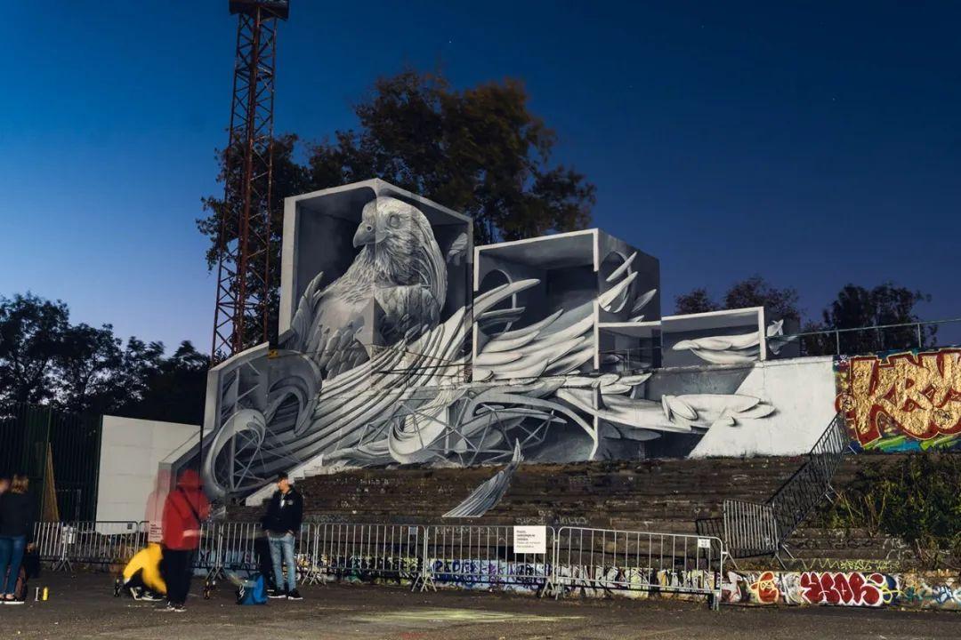 未来百年涂鸦主题艺术展览活动巧妙地融合了尖端技术、定制音乐和街头艺术
