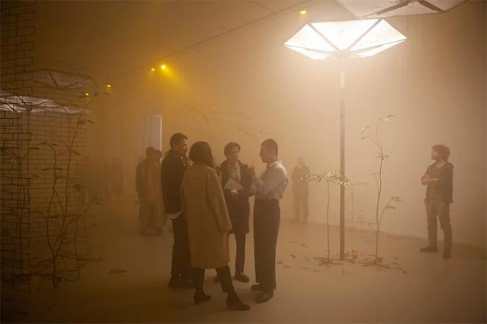 被遗忘的六方亭中,一场沉浸式的艺术展览活动让生活回到一个建筑
