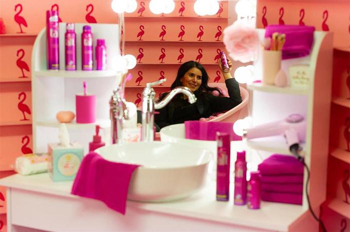 将美发产品发布会活动搬到超级糖果博物馆举行,更像是内容营销活动