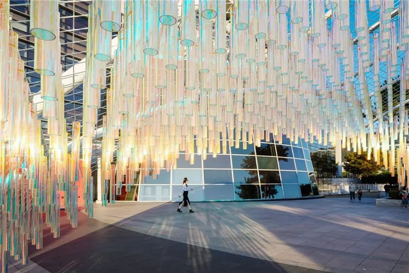 艺术展览活动上的这些艺术互动装置太有视觉冲击力了