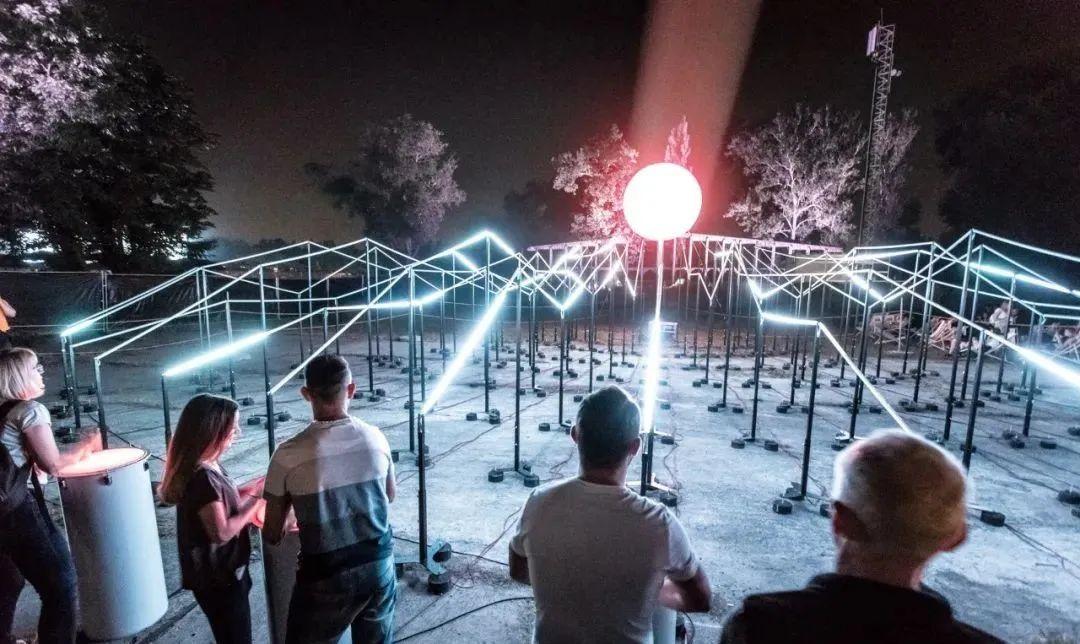 灯光艺术展览互动活动的LED互动装置带动了全新的群体性解压方式