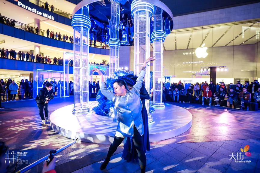 天街的空间艺术展览活动装置摄取古罗马建筑特色,艺术感超强
