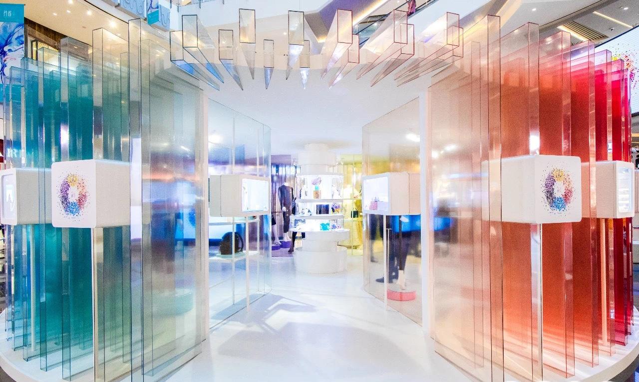 施华洛世奇快闪展览活动策划的3款定制水晶元素装饰画实力圈粉