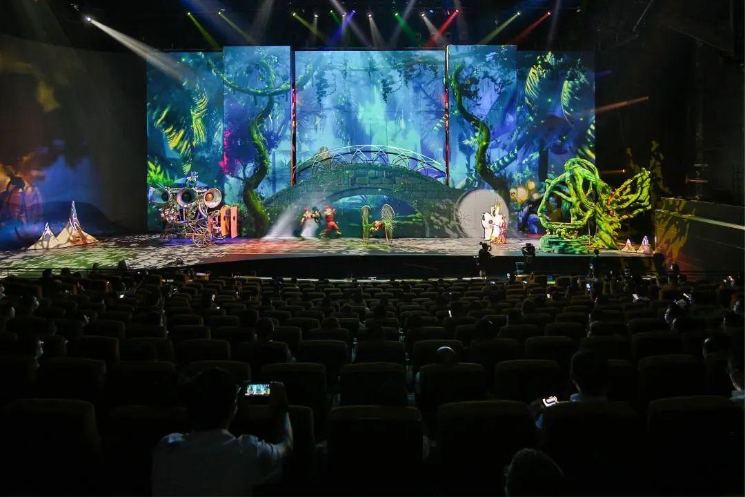 吉利豪越上市发布会活动策划了一场大型魔幻剧,实力技术担当
