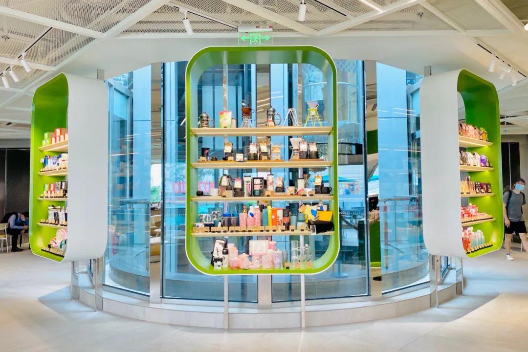 星巴克美人鱼艺术主题展览活动装置的茶云很萌萌哒