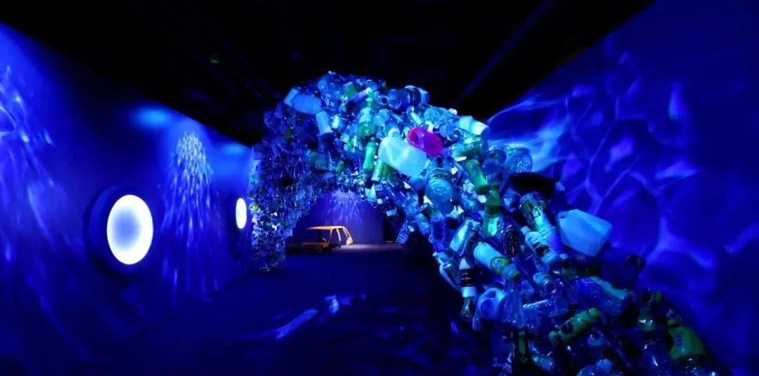 《国家地理·深蓝》沉浸式环保展览活动特别加入了故事性情节