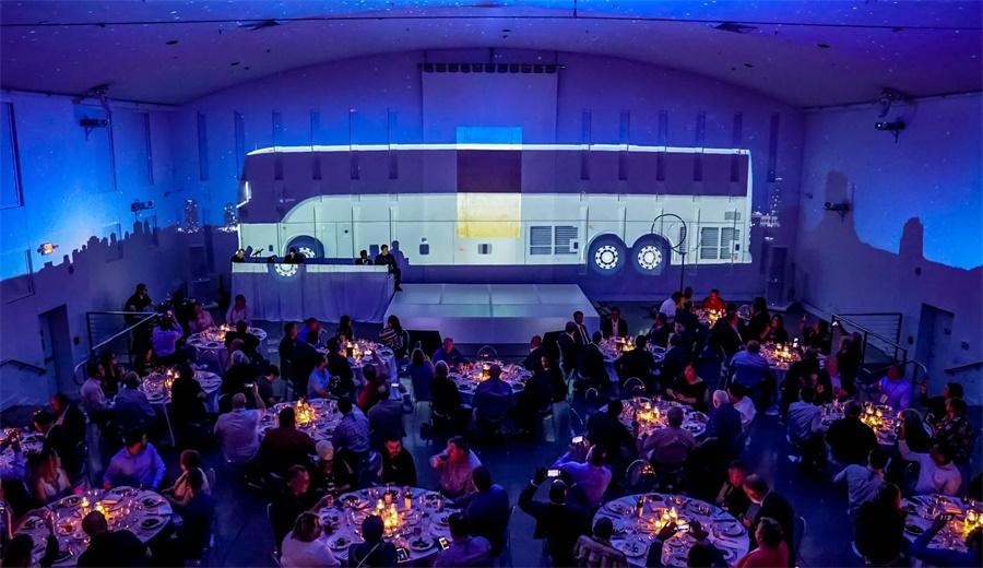 """客车品牌发布会活动策划了一场360度的美国""""巴士之旅"""""""