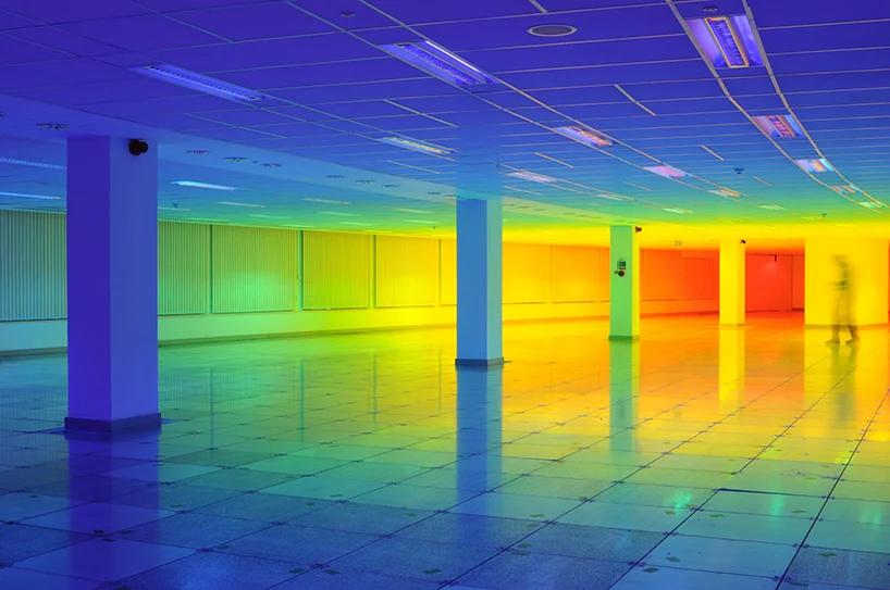 走进彩虹,沉浸式展览活动装置带你感受身临其境的色彩