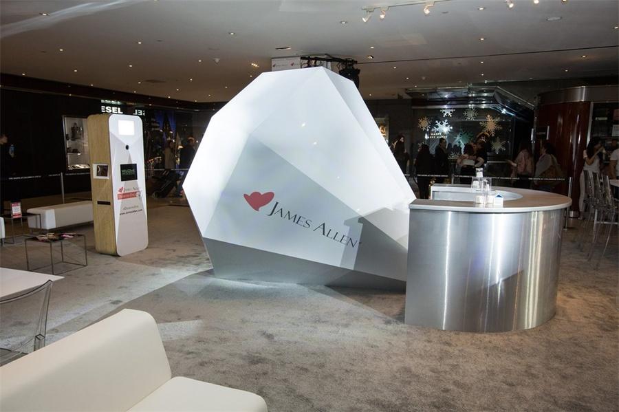 哥伦布环岛的在线珠宝零售品牌线下快闪店活动策划太浪漫了