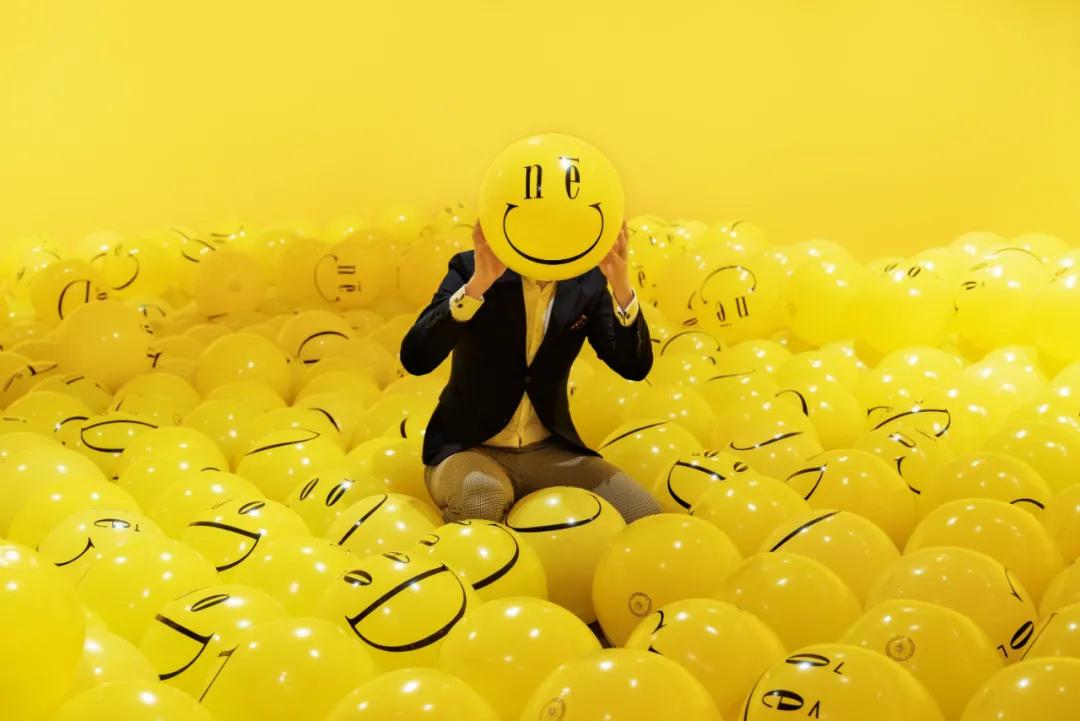 招牌笑脸球emograms新春展览活动策划超happy,金银满屋福满年