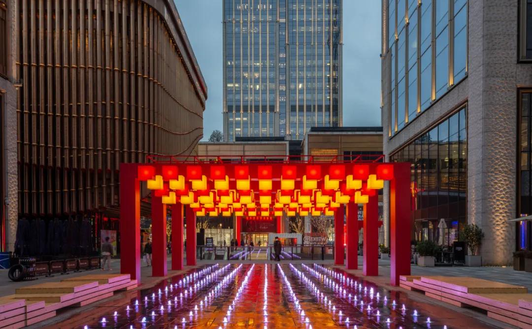 魔都「就地过年」新春展览活动策划200盏灯,化身时髦的璀璨灯海