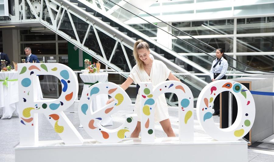 OPPO欧洲新品发布会活动策划直接把2400平的现场变成超级体验旗舰店