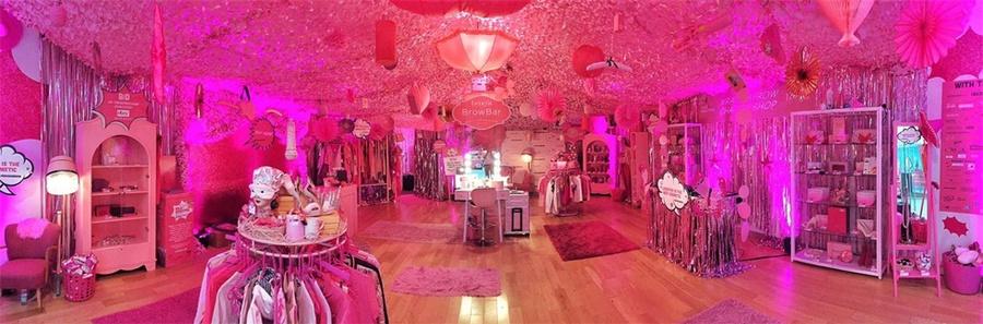 贝玲妃快闪式慈善派对活动策划竟是难以置信的粉色「阿拉丁洞穴」
