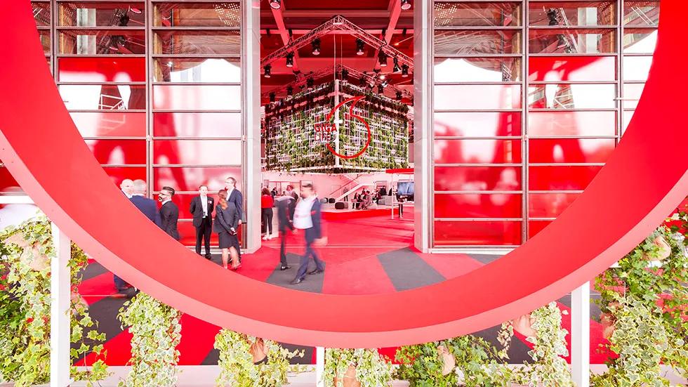 沃达丰品牌展览活动策划「千兆广场」以数字形式做了创新性展示
